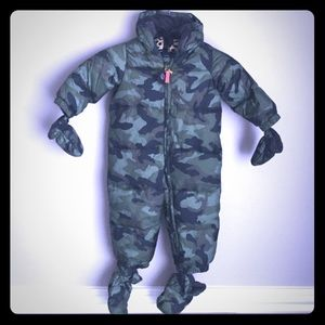 {gap} warmest down camo snowsuit 12-18M